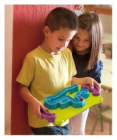 Maze balance board